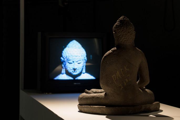08 백남준, TV 부처, 1974(2002)